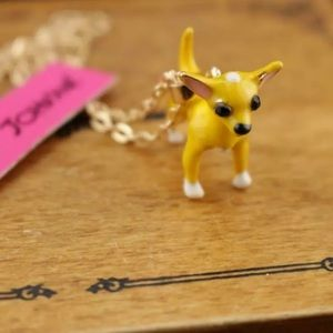 NWT Betsey Johnson Chihuahua necklace